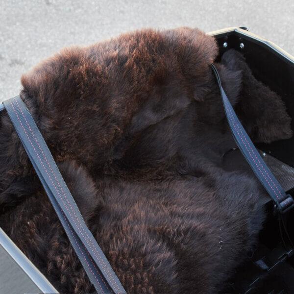 Kudde tillverkad av lammskinn Amladcyklar